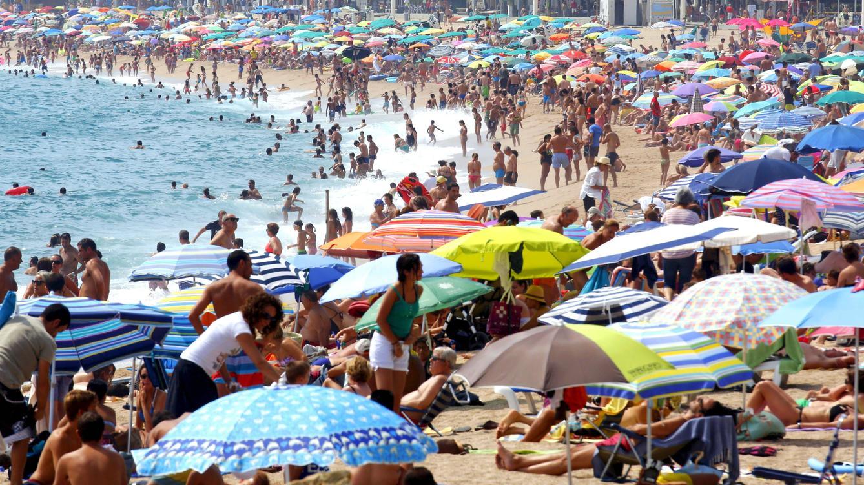 El 'desvío' de turistas está detrás de hasta el 36% del aumento del destino España